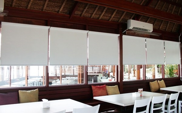 Sharp Point Roller Blinds Blackout